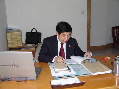 记长兴县检察院反贪局局长于芳龙